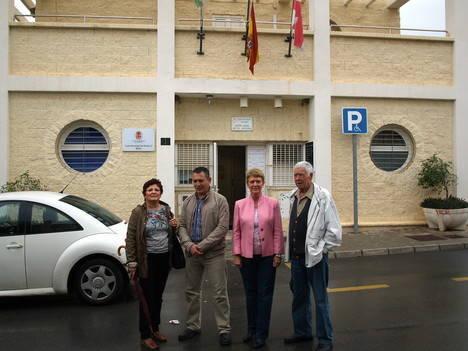 El PSOE alaba las oficinas periféricas pero ve caótico su funcionamiento en la capital