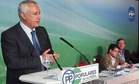 Arenas recuerda que el Gobierno del PP dejó Almería con pleno empleo en 2004 y ahora con Rajoy hay 25.000 empleados más