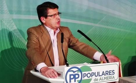 Matarí destaca que en esta Legislatura Almería ha pasado de tener dos puntos de crecimiento negativo a tres puntos positivos