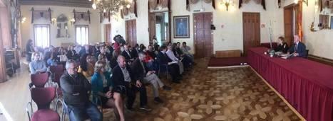 Junta y ayuntamientos coordinarán la gestión de viviendas públicas en alquiler para garantizar el acceso a las familias