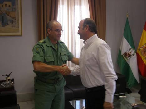 """El alcalde desea """"buena suerte"""" al general Martín Cabrero en la misión en el Líbano """"porque vuestra profesionalidad ya la conocemos"""""""