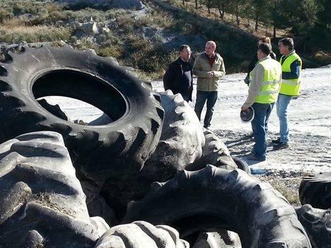 La Junta retira 485 toneladas de neumáticos abandonados en Vélez-Rubio para su reuso o reciclaje