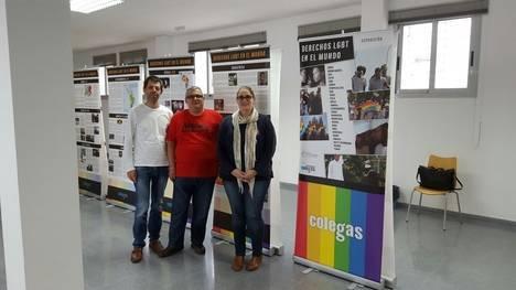 """Colega inaugura la exposición """"Derechos LGBT en el Mundo"""" en el municipio Níjar"""