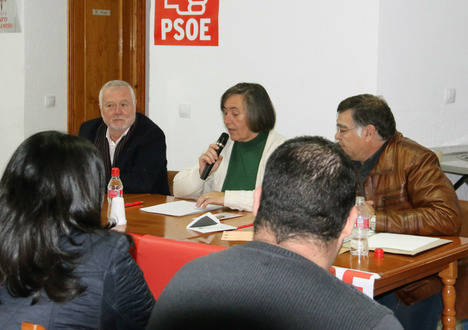 El PSOE garantizará que ninguna familia sobreviva sin luz y sin agua por falta de recursos económicos