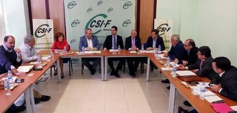 """Hernando afirma que el PP ha devuelto a los funcionarios """"su esfuerzo"""" para salir de la crisis y pide a la Junta que haga lo mismo"""