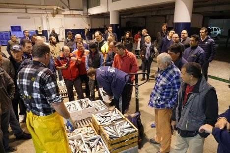 El PP abre el martes en la lonja pesquera de Almería