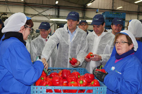 Moreno apuesta en El Ejido por un Plan Específico para la Agricultura que garantice inversiones y alivie la presión fiscal
