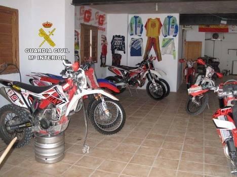 La Guardia Civil denuncia a los propietarios de un complejo turístico sin autorización en Vélez Rubio