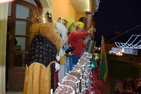 Los Reyes Magos llegan cargados de ilusión y regalos para todos los niños de Gádor