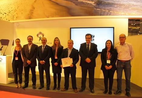 Vera entrega el Sol de Oro de la Ciudad, premio decano en FITUR