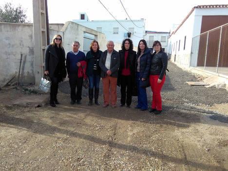 Diputadas del PSOE visitan las obras del PFEA en Padules