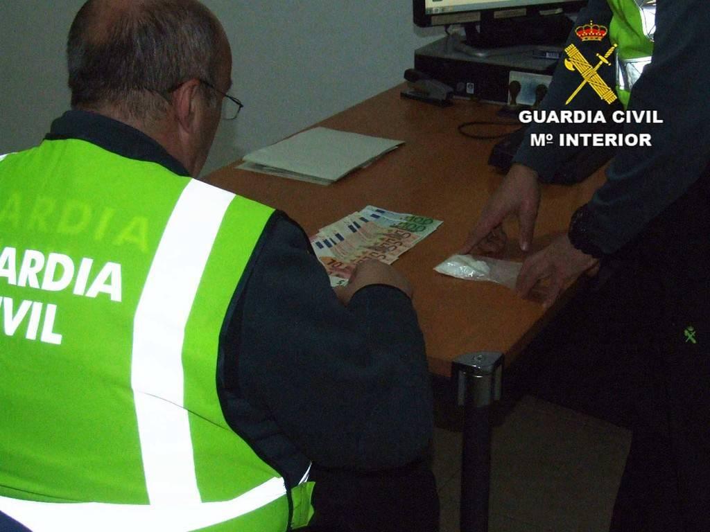 día escoltas drogas cerca de Almería