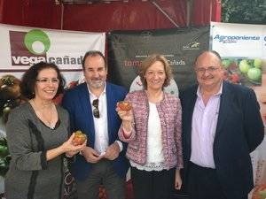 Carmen Ortiz ensalza la calidad del tomate fresco, que alcanza un valor de 500 millones de euros en los mercados exteriores