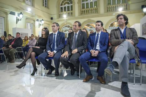 Diputación recibe un premio en la Gala del Ciclismo de Almería por su contribución a esta modalidad deportiva