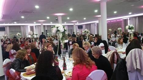 500 mujeres de Níjar participaron en la comida convivencia con motivo del Día de la Mujer