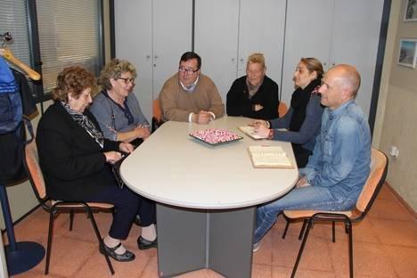 La comisión de fiestas de Las 200 Viviendas se reúne con el Ayuntamiento de Roquetas
