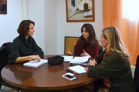 Diputación e ICEX abordan líneas de colaboración para la promoción de las Pymes almerienses