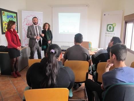 La Junta forma en técnicas de selección de personal a jóvenes de los centros 'Los Cármenes' y 'La Casa' de Purchena