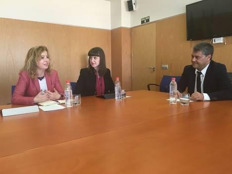 Lucía Ayala pone de ejemplo Almería para un nuevo modelo productivo andaluz