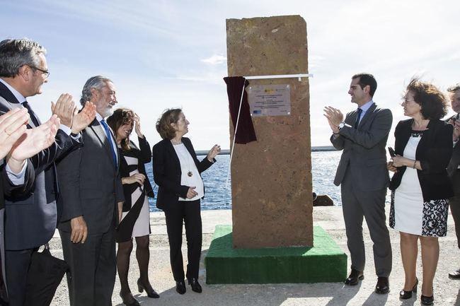Pastor inaugura el 'Nuevo Dique de Poniente' del puerto de Almería