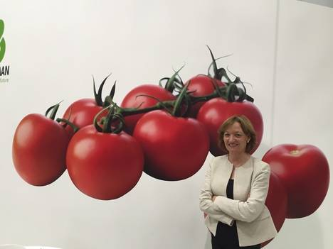 Carmen Ortiz lamenta el descenso que ha experimentado el precio de productos de Almería