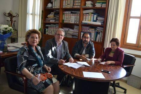 Unión Romaní de Almería presenta al alcalde de Vícar sus líneas de actuación