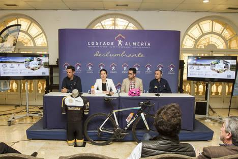 La Diputación con la Asociación de Fibromialgia de Almería