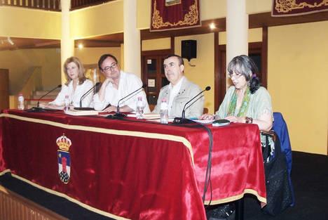 Lorenzo Silva y Manuel Martín Cuenca protagonizan el Áula de Literatura del Ayuntamiento de Roquetas