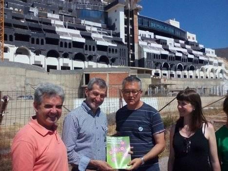 """El candidato de Unidos Podemos rechaza el hotel del Algarrobico mientras su partido internamente califica el tema como de """"complejo"""""""
