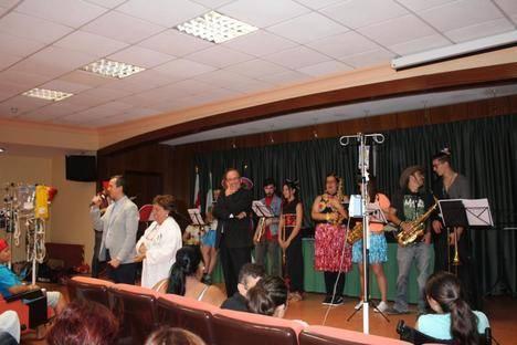 El Aula Hospitalaria del Complejo Torrecárdenas celebra el fin del curso escolar 2015-2016