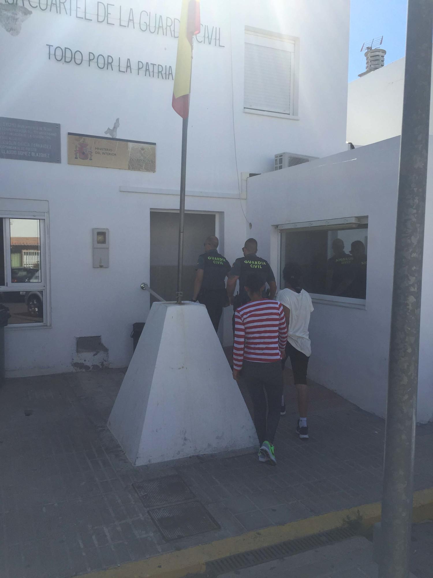 Detenidas mientras asaltaban una vivienda en campohermoso - Vivienda en almeria ...
