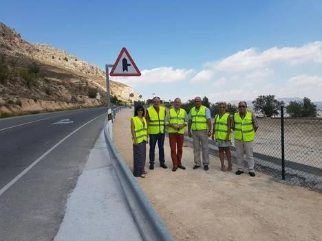 La Junta finaliza la plataforma peatonal en la A-317 que incrementará la seguridad de acceso al camping de Vélez Rubio