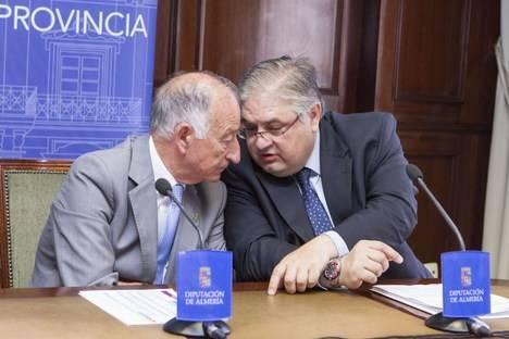 Diputación ya ha activado la atención al contribuyente en castellano, inglés y alemán