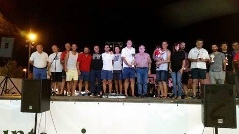 La CDV se lleva el trofeo de las fiestas de Las Cabañuelas de fútbol sala y Joframar, la Liga de Verano de fútbol veterano
