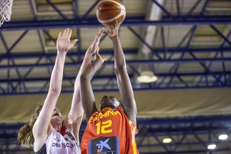 Lola Pendande gana el oro con España en el Europeo sub 16 de baloncesto