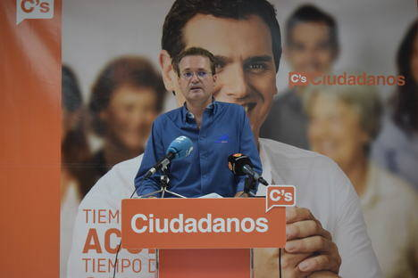 Diego Clemente eleva al Congreso una PNL para implantar una comisaría en Roquetas y otra para eliminar los guardarraíles