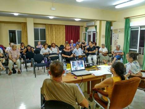 Amnistía Internacional Almería aborda la despenalización de la prostitución en defensa de 'los trabajadores del sexo'