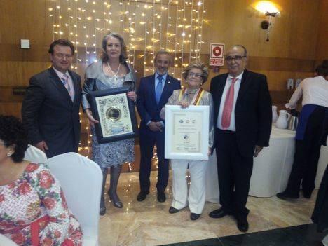 Restaurante veratense Terraza Carmona recibe el premio nacional de Gastronomía concedido por Radio Turismo