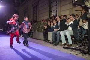 Solidaridad y moda inundan Navarro Rodrigo en la exitosa IV Micropasarela de ONCE y ASALSIDO