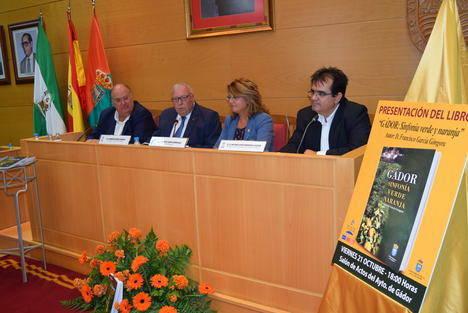 """""""Gádor: Sinfonía verde naranja"""", un libro que narra la vida de la villa en los últimos 60 años"""