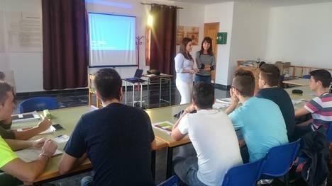 Medio centenar de jóvenes se forman en idiomas gracias a Diputación