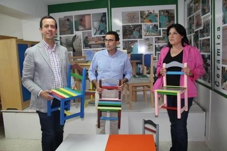 La Unidad de Estancia Diurna Javier Peña hace entrega de mobiliario al Ayuntamiento de Los Gallardos