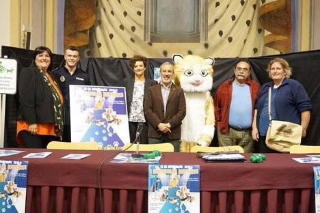 El Ayuntamiento de Vera lanza una campaña dirigida a dueños de mascotas para que recojan sus excrementos de la vía pública y en contra del abandono de animales