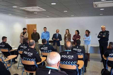 Gobierno Municipal de Vera felicita a los miembros de la Policía Local en su visita a la Jefatura