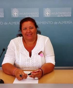 Amalia Román (IU) denuncia que el PP concede licencia de apertura a locales que no cumplen las medidas de accesibilidad
