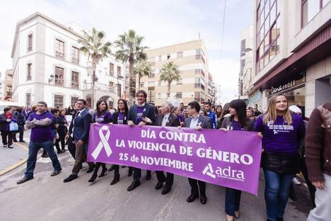 25N: Diputación lleva hasta Adra el grito de Almería contra la violencia machista