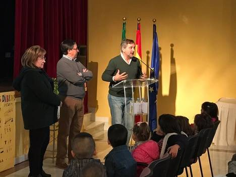 Cerca de un centenar de participantes se reúnen en Lúcar en un encuentro intergeneracional organizado por Diputación