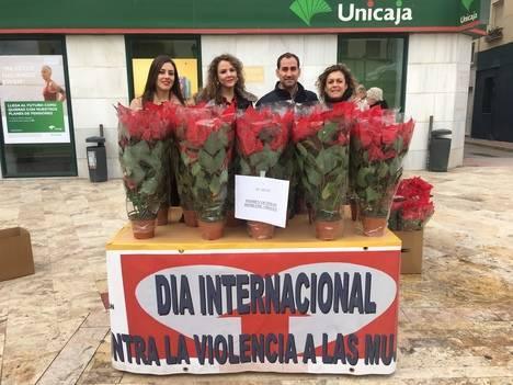 Los pascueros solidarios del Centro de Información a la Mujer de Albox recaudan 300 euros para los niños víctimas de violencia de género