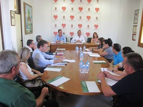 59.000 euros concedidos por la Junta a los ayuntamientos de La Mojonera y Vícar para la mejora del comercio ambulante