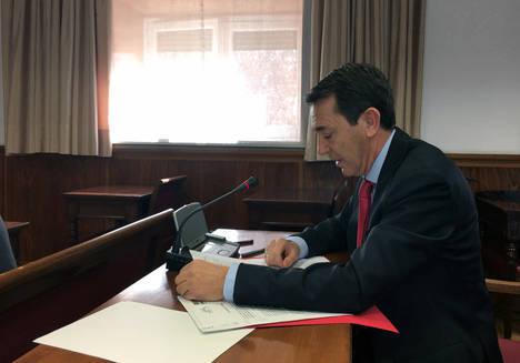 Pérez Navas lamenta que los ayuntamientos sigan obligados a destinar sus ahorros al pago de deuda, por la cerrazón del PP